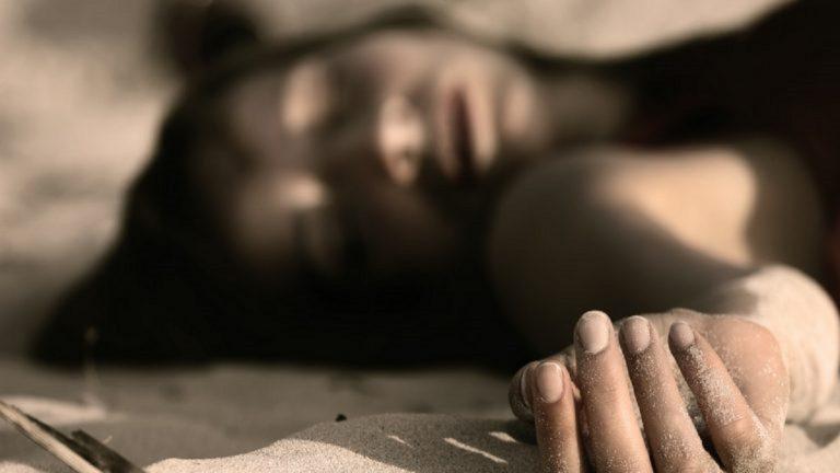 ضحية الفقر انتحار فتاة مغربية بسبب عدم شراء ملابس العيد