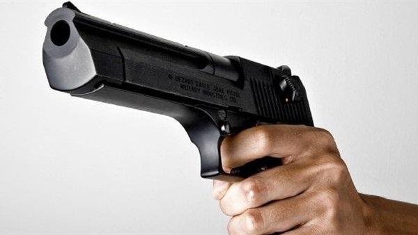 ضبط صاحب اسبقيات طلب من عمال مطعم أتاوة تحت تهديد السلاح