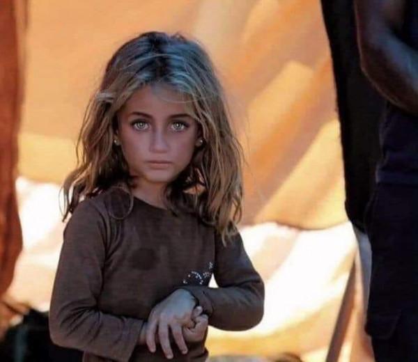 سندريلا المخيمات السورية صاحب الصورة يكشف تفاصيلها