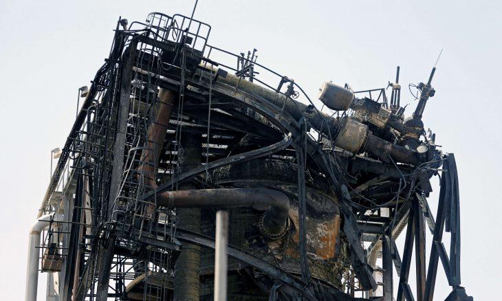 صحافيون شاهدنا دمارا كبيرا في منشأة أرامكو وحطاما متفحّما ـ صور