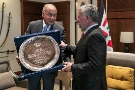 الملك يتسلم درع العمل التنموي العربي لعام 2019