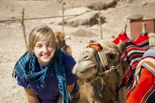 سياح الأردن بيئة سياحية آمنة وجاذبة