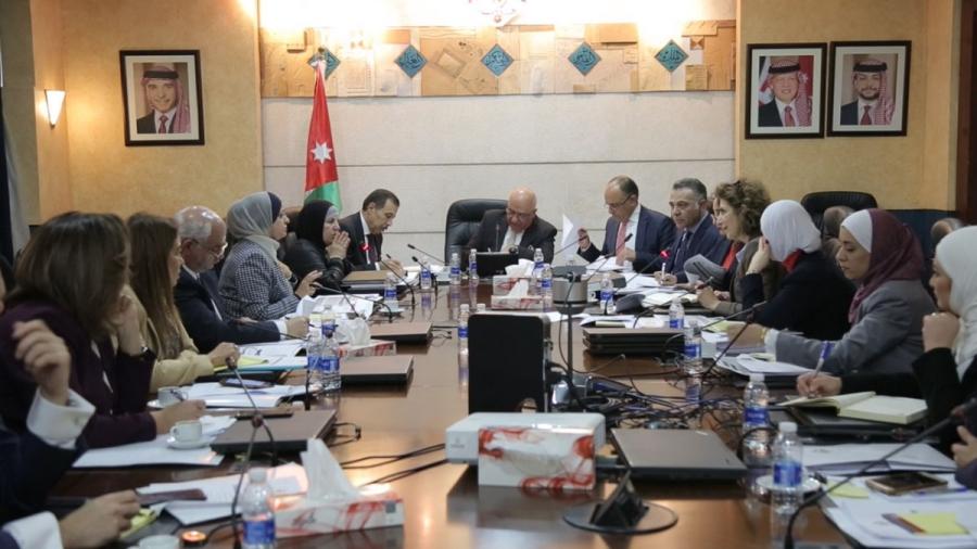 مأسسة اللجنة الوزارية لتمكين المرأة ضمن لجان رئاسة الوزراء