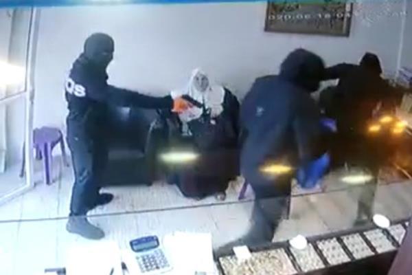 سطو مسلح على محل ذهب في فلسطين