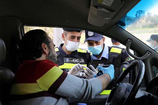83  من سكان عمان غير ملتزمين بالكمامات