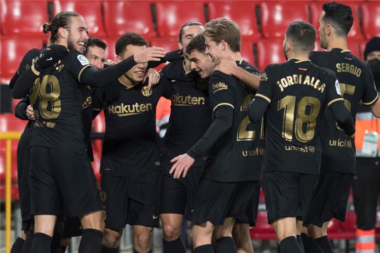 فوز لبرشلونة وتعادل لريال مدريد بالدوري الاسباني