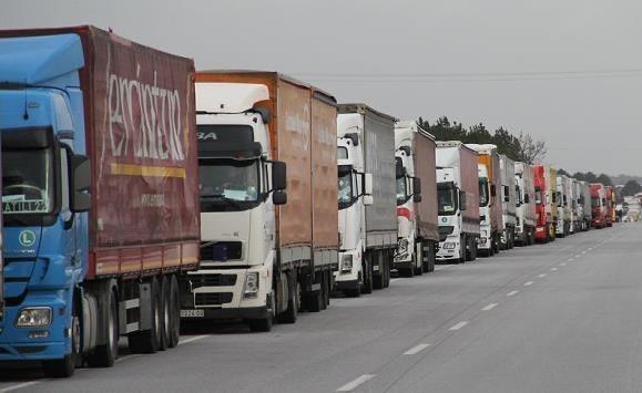 السماح للشاحنات الأردنية بالدخول للسعودية