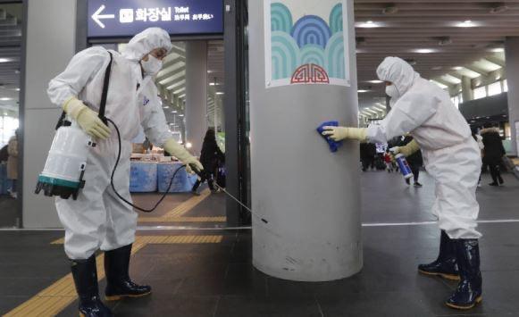 أميركا تتجاوز 25 مليون إصابة بكورونا