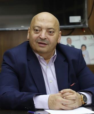 حماده عودة حظر الجمعة سيشكل تهديدا لقطاع المطاعم والحلويات
