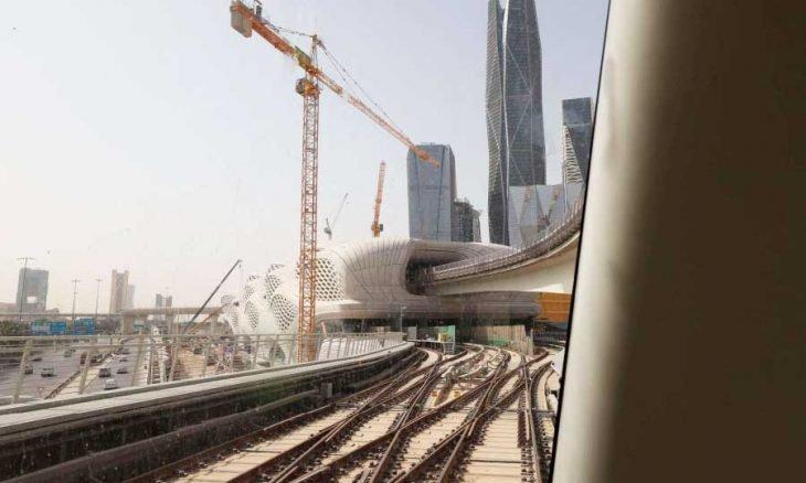 السعودية تنافس الإمارات لتصبح المركز الاقليمي الأول في استقطاب الشركات الأجنبية
