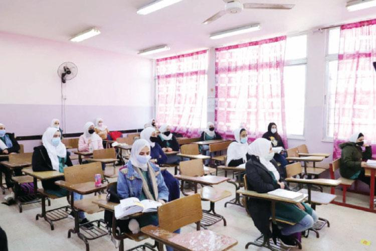 """تداخل شهر رمضان واختبارات """"التقييم الأول"""" يثيران قلق الطلبة وذويهم"""
