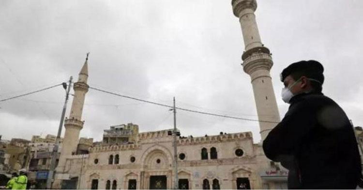 عضو مجلس إفتاء يتحفظ على قرار حظر صلاة الجمعة