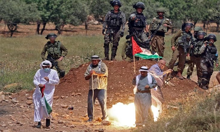 الاتحاد الأوروبي يدعو لتحديد موعد جديد للانتخابات الفلسطينية والأمم المتحدة تناشد للحدّ من التوترات