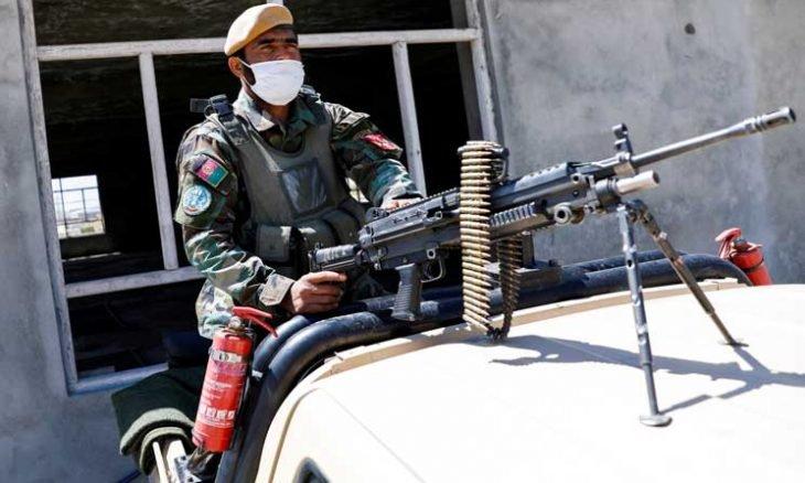اختفاء 30 جنديا أفغانيا إثر هجوم طالبان على موقع عسكري