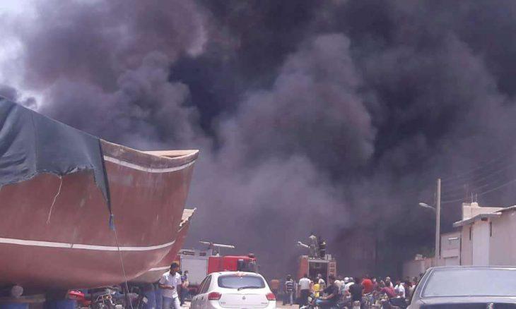 اندلاع حريق هائل في مصنع للكيماويات بمدينة قم الإيرانية