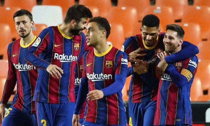 ثنائية ميسي تقود برشلونة لفوز ثمين على بلنسية وتعزيز طموحاته في الدوري الإسباني