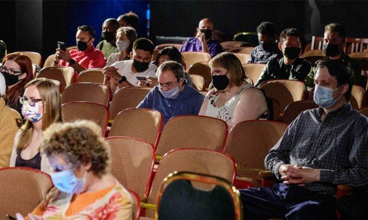 نيويورك تبدأ عرض أقدم مسرحياتها استباقاً لمعاودة برودواي نشاطه