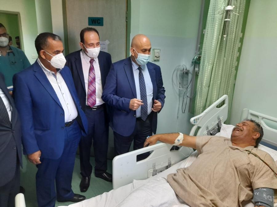 د محمود زريقات يتفقد سير العمل في مستشفى الزرقاء الحكومي وأربع مستشفيات في شمال المملكة اول ايام العيد