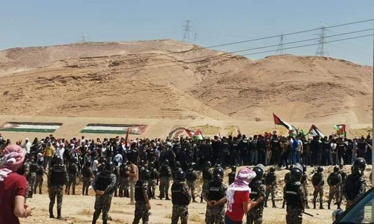 """""""افتحوا الحدود"""" أردنيون يتوجهون إلى الحدود مع فلسطين-"""