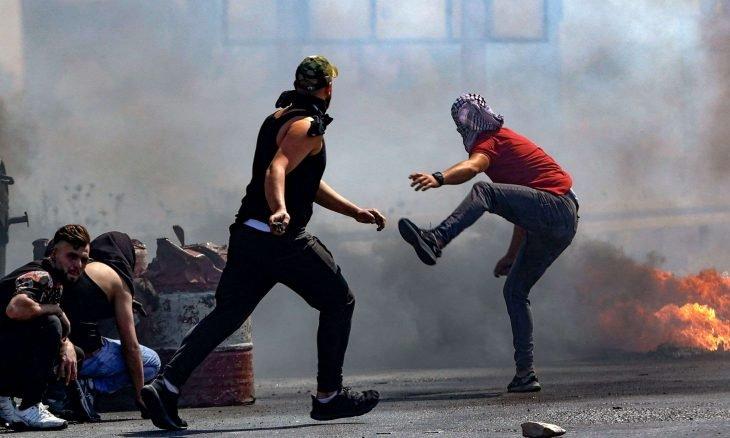 استشهاد فلسطينيين اثنين وإصابة العشرات في مواجهات مع جيش الاحتلال بالضفة الغربية