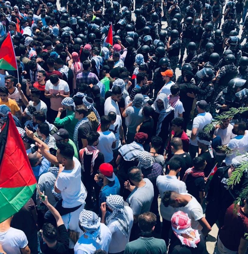 مصدر امني  لم تقع اية اصابات في مسيرة الكرامة والبعض يستخدم فيديوهات من دول أخرى