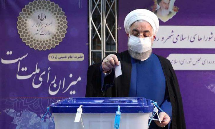 المحافظ المتشدد إبراهيم رئيسي رئيساً جديداً للجمهورية الإيرانية