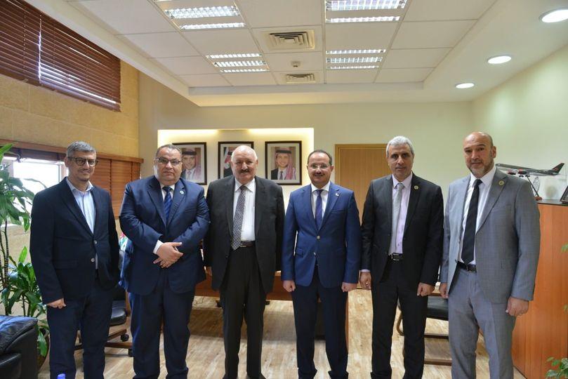وفد من جامعة الزرقاء يزور الجامعة الألمانية الأردنية