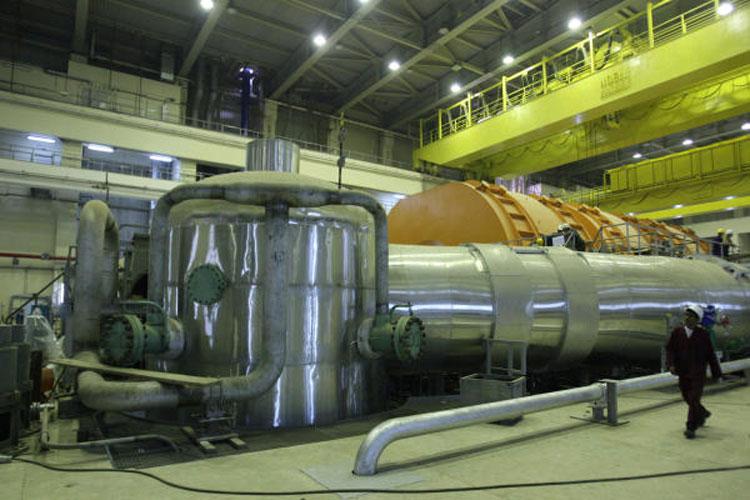 إيران على موعد مع السلاح النووي خلال شهر
