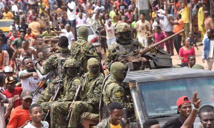 رئيس غينيا ما زال محتجزا