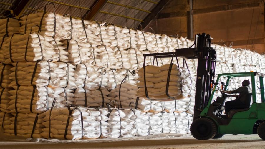 بحث رفع الصادرات الأردنية إلى مصر